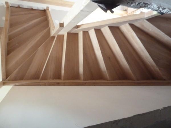 bois 2 bout r alisations escalier double quart tournant en ch ne massif. Black Bedroom Furniture Sets. Home Design Ideas