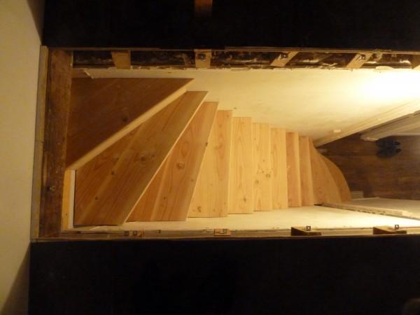 bois 2 bout r alisations escalier double quart tournant en douglas et sapin. Black Bedroom Furniture Sets. Home Design Ideas