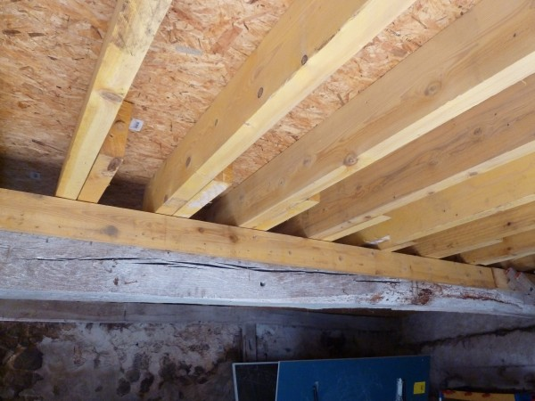 Bois 2 bout r alisations r novation compl te d 39 une toiture for Renovation d une toiture